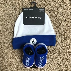 Converse 6-12 months infant hat and booties blue